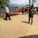 Anggota Polsek Pujon Polres Batu Lakukan Patroli Objek Wisata di Paralayang Berikan Rasa Aman