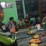 Bhabinkamtibmas Desa Bulukerto Polsek Bumiaji Polres Batu Hadiri Acara Kumpul Dengan Warganya Guna Lakukan Pembinaan Kamtibmas