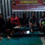 Kanit Binmas Polsek Batu Kota Polres Batu Lakukan Pembinaan Siskamtibmas Swakarsa Pada Tokoh Masyarakat