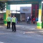 Polsek Ngantang Polres Batu Lakukan Giat Rutin Poros Pagi di SMA 1 Ngantang