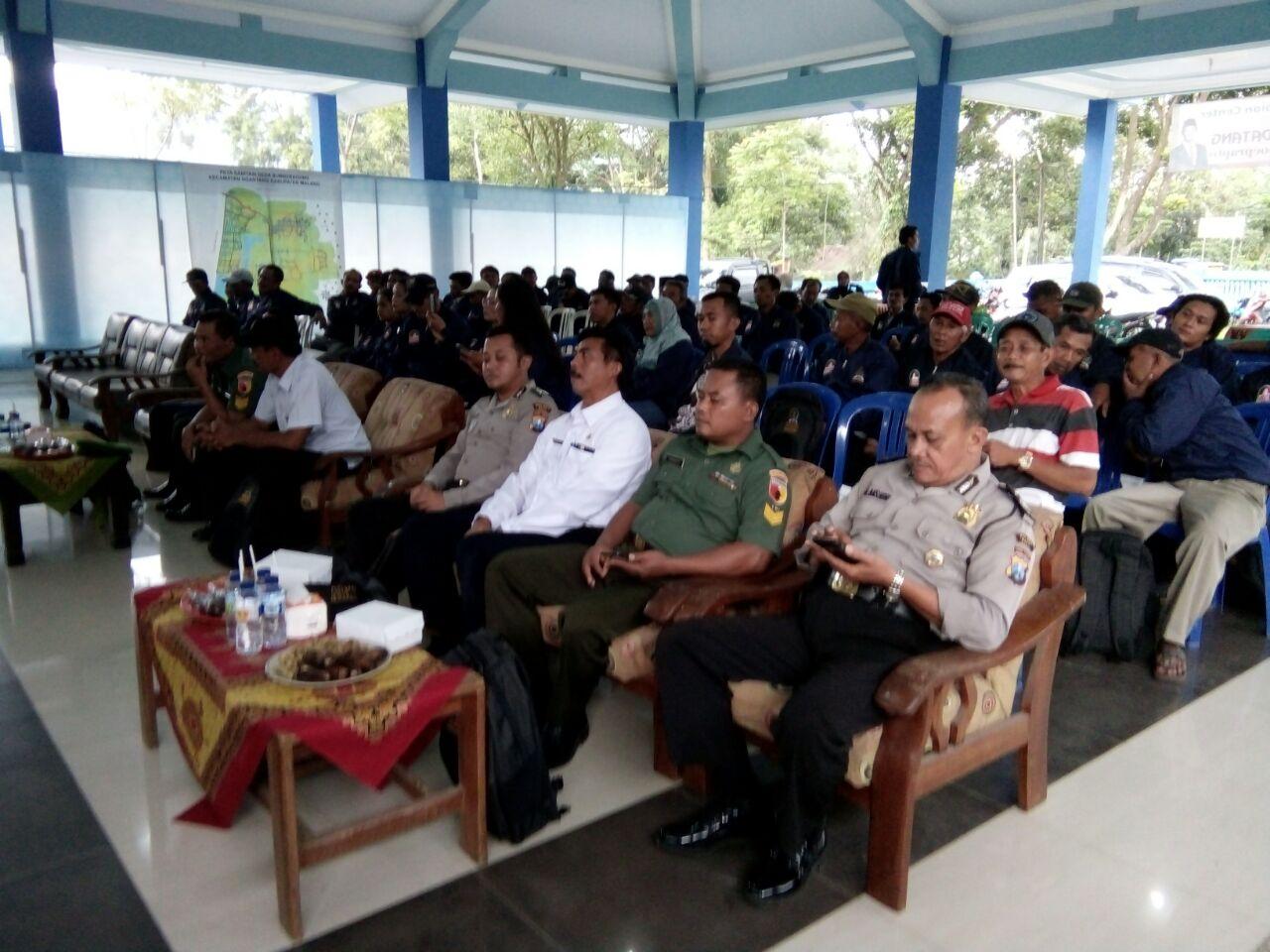 Giat Pengamanan, Anggota Polsek Ngantang Polres Batu Amankan Kunjungan Kerja Anggota DPR