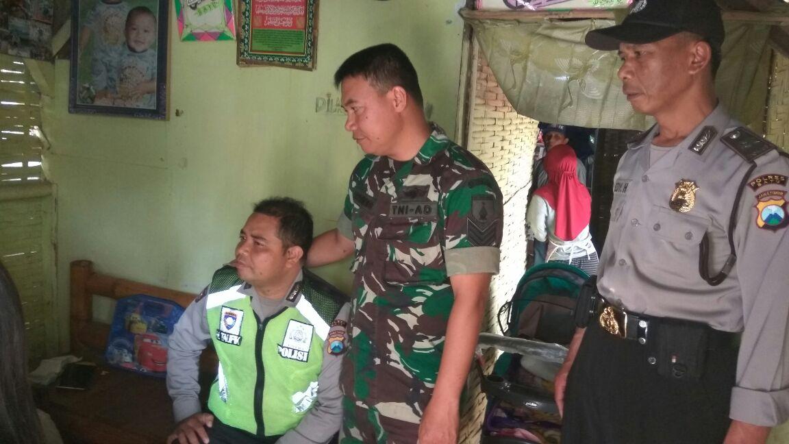 Giat Sambang, Anggota Bhabin Polsek Bumiaji Polres Batu Ke Rumah Warga Yang Kurang Mampu Dan Mempunyai Bayi Yang Menderita Hydrosepalus