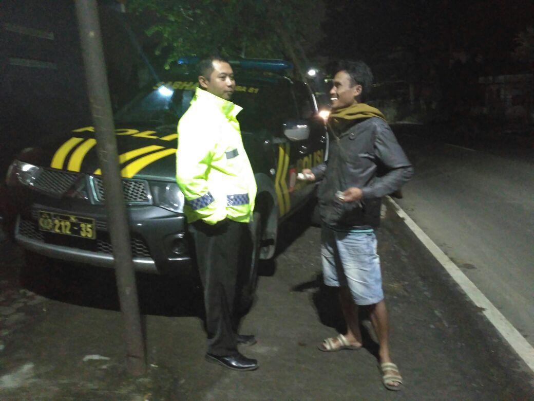 Anggota Polsek Batu Polres Batu Giatkan Patroli
