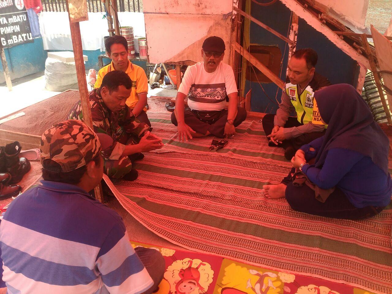 Untuk Menjaga Kamtibmas, Anggota Bhabin Polsek Batu Polres Batu Giatkan Program Kunjungan 1000 Tokoh K.W.B (Kunjungan Wajib Bhabinkamtibmas)
