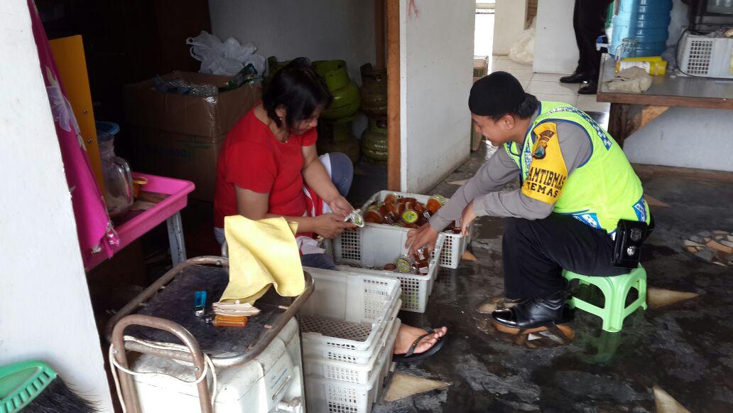 Polsek Batu Kota Polres Batu Melakukan Kunjungan Kemitraan Ke Unit Usaha Sari Apel Kota Wisata Batu