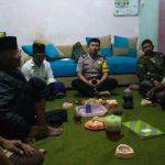 Anggota Bhabinkamtibmas Desa Pendem Polsek Junrejo Polres Batu Masuk Dalam Kegiatan Warga Di Pertemuan Rutin Bulanan Linmas