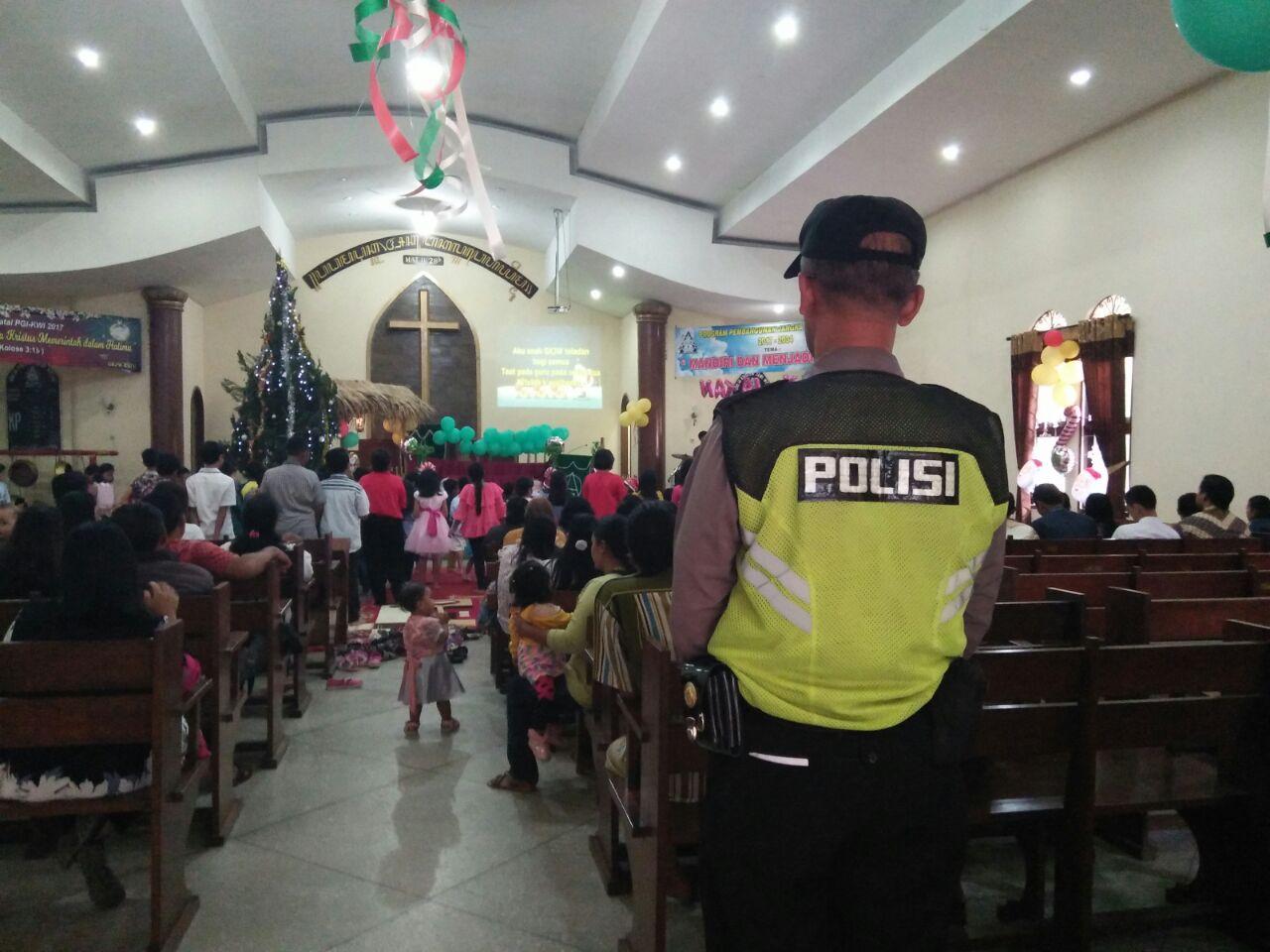 Salah Satu Wujud dari Pelayanan Prima, Polsek Batu Kota Polres Batu Melaksanakan Giat Perayaan Natal Di wilkum Polsek Batu Kota