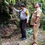 ANGGOTA BHABINKAMTIBMAS DESA POLSEK BATU KOTA POLRES BATU PATROLI TEMPAT RAWAN BENCANA ALAM