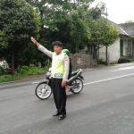 Jaga Keamanan Wilayah, Polsek Bumiaji Polres Batu Gelar Pengaturasn jalan