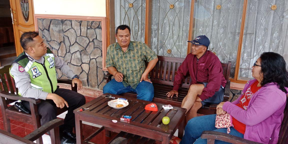 Anggota Bhabin Desa Tulungrejo Polsek Bumiaji DDS Tingkatkan Kepercayaan Masyarakat Terhadap Polri
