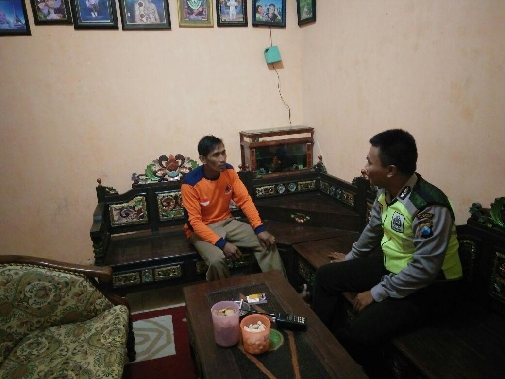 BHABINKAMTIBMAS DESA GUNUNGSARI POLSEK BUMIAJI POLRES BATU SAMBANG PERANGKAT DESA