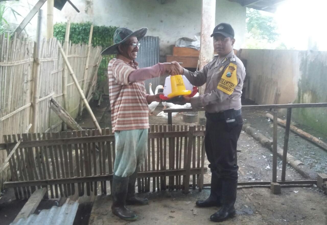 Anggota Kelurahan Songgokerto Polsek Batu Kota Polres Batu Melaksanakan Kunjungan