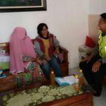 Giat Polres Batu Peduli Kerukunan Tetangga Anggota Bhabinkamtibmas Polsek Batu Sambang Tempat Ketua RT