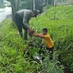 Kanit Sabhara Polsek Junrejo Polres Batu Lakukan Patroli Antisipasi Pohon Tumbang Dan Banjir Di Wilayah Hukum Polres Batu