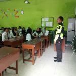 Bhabin Polsek Batu Polres Batu Lakukan Bintibluh Di SMK Putikecwara Batu Tentang Kenakalan Remaja