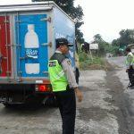 Anggota Polsek Ngantang Polres Batu Laksanakan Kegiatan Razia Dalam Rangka Ops Mantab Praja Semeru 2018