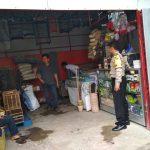 Anggota Bhabin Desa Pendem Polsek Junrejo Polres Batu Melaksanakan Silaturrahmi Ke Penjual Burung Milik Warga