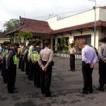 Kapolsek Batu Kota APP Anggota Saat Apel Pagi Di Halaman Mako Polsek Untuk Mengawali Tugas Di Pagi Hari