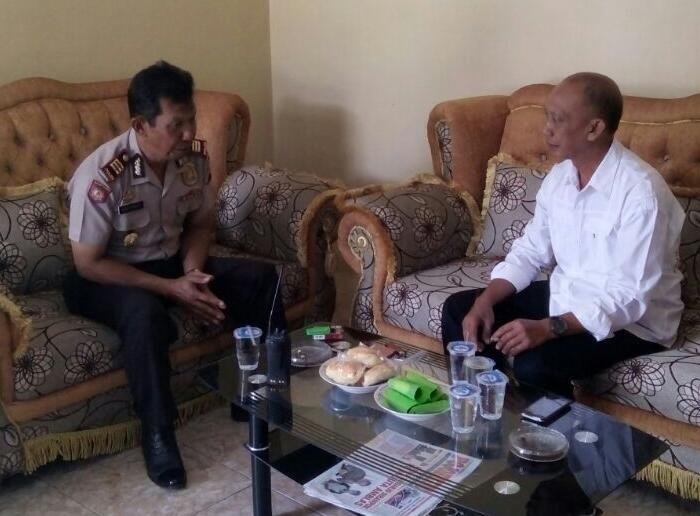 Kapolsek Batu Kota silaturahim Dengan Kepala Desa Oro oro Ombo Dan Sumberejo
