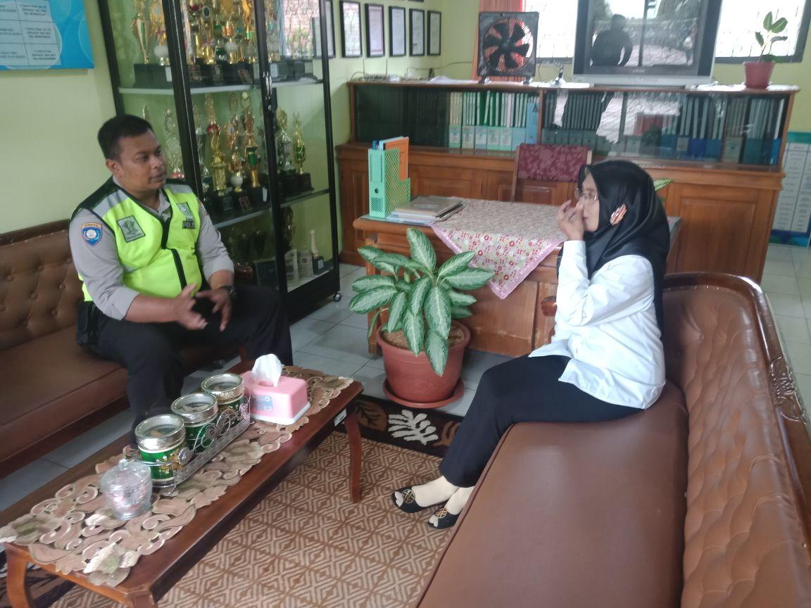 Ps. Kanit Binmas Polsek Batu Kota melaksanakan kegiatan DDS Kunjungan ke ibu Tatik