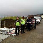 Anggota Bhabinkamtibms Polsek Pujon Polres Batu Menghdiri Giat Wrga Di Desa Binaan