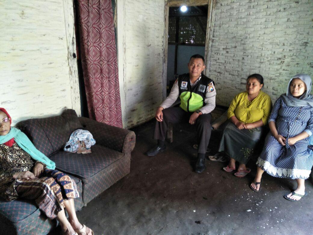 1 Hari 1 Kawan Bersama Bhabinkamtibmas Sahabat Reaktif Polsek Pujon Polres Batu Peduli Kerukunan Tetangga