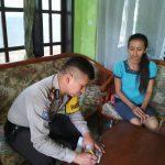 Bhabinkamtibmas Desa Pendem Polres Batu Silaturahmi Datang Jenguk Warga yang Sakit Kepada Warga