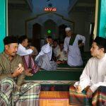 Bhabin Desa Pendem Polsek Junrejo Polres Batu Melaksanakan Sambang warga sekaligus Jumatan Bersama