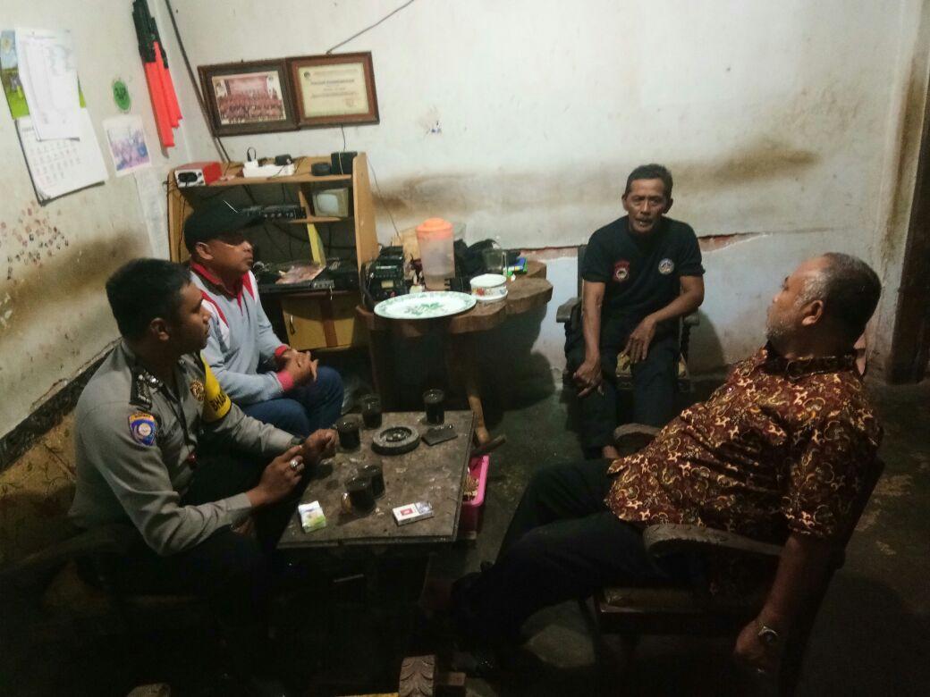 Bhabin Polsek Junrejo Polres Batu Melakukan DDS ke Tokoh Masyarakat