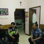 Bhabinkamtibmas Polsek Batu Polres Batu Menyampaikan Pesan Kerukunan Umat Beragama Di Gereja GKT Sinai