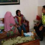 Anggota Bhabinkamtibmas Polsek Batu Kota Polres Batu Melaksanakan Kegiatan Sambang Ketua RT Peduli Kerukunan Tetangga Kota Batu