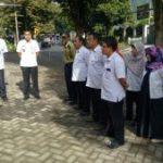 Anggota Bhabin Polsek Batu Kota Polres Batu Menggelar Apel Pagi Bersama Lurah Dan Perangkat Kelurahan Songgokerto Kecamatan Batu