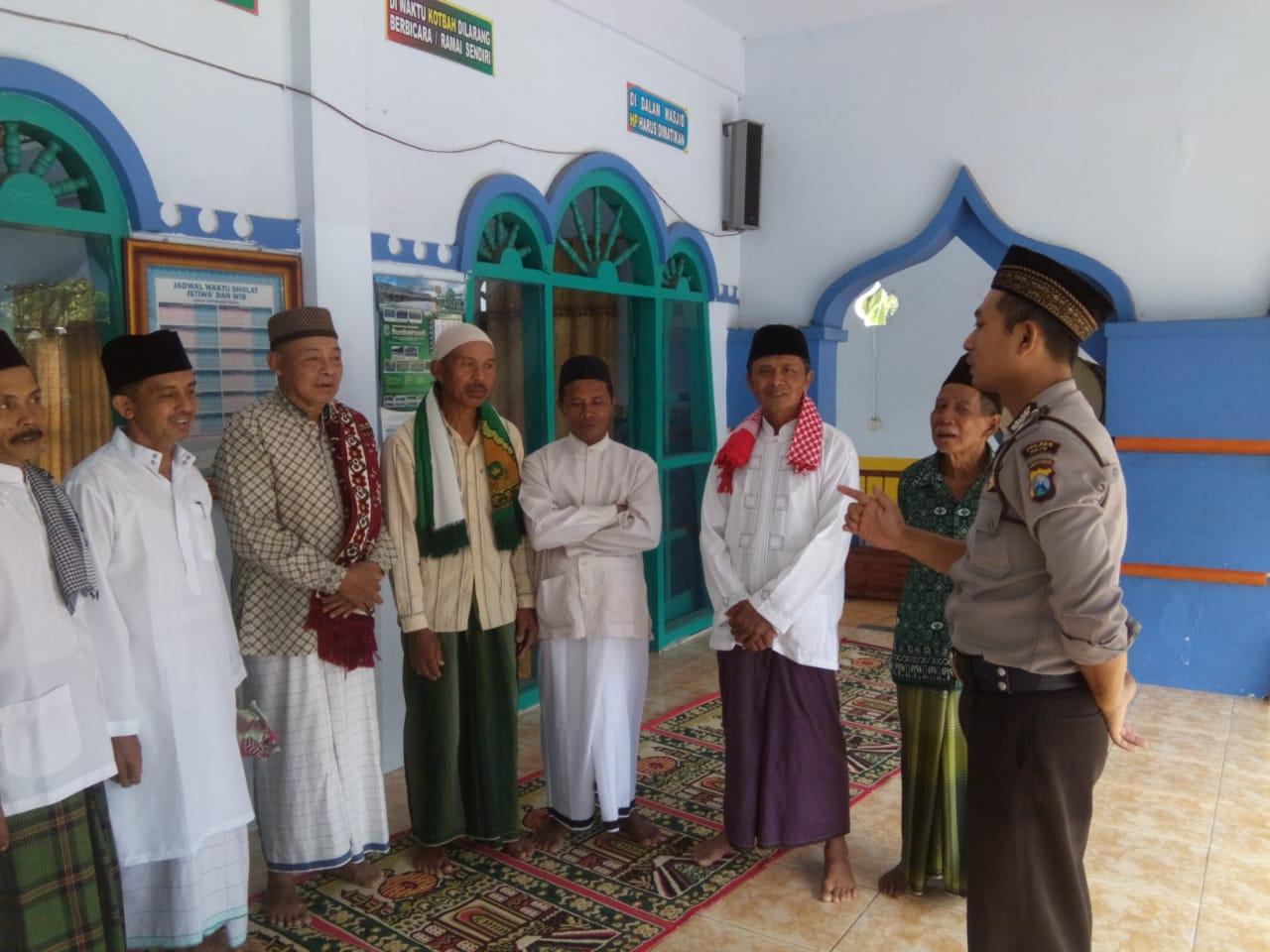 Sambang, Bhabinkamtibmas Polsek Kasembon Polres Batu Sambang Masjid