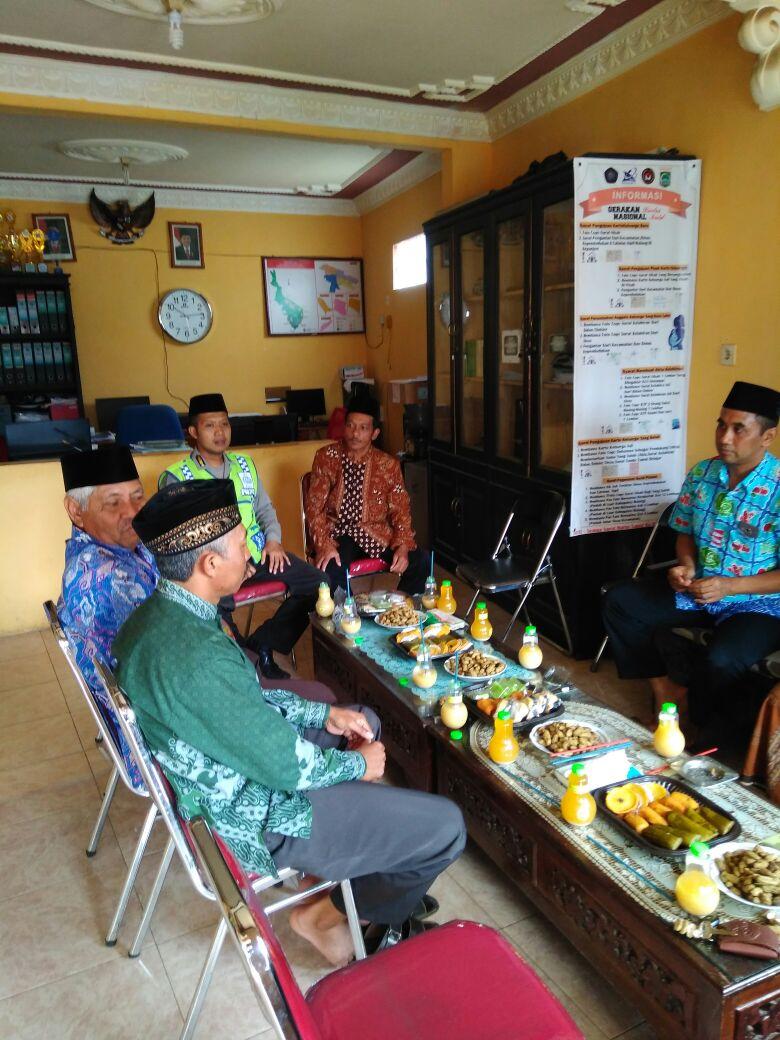 Anggota Bhabinkamtibmas Polsek Pujon Pores Batu Hadir dalam kegiatan Pertemuan Rutin Muslimat NU