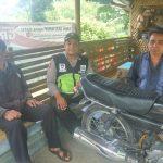 Anggota Bhabinkamtibmas Polsek Pujon Polres Batu Patroli Dialogis Terhadap Tukang Ojek