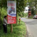 Dukung Ops Keselamatan Semeru 2018, Satlantas Polres Batu Pasang Banner Himbauan
