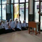 Bhabin Polsek Batu Kota Polres Batu Melaksanakan Binluh Tentang Bahaya Narkoba Kepada Siswa SMP Islam 01 Batu