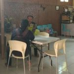 Anggota Bhabinkamtibmas Ngaglik Polsek Batu Polres Batu Melaksanakan Giat Kunjung Rumah Warga