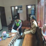 Bhabin Polsek Ngantang Polres Batu Melaksanakan Kunjungan Silaturahmi Kepada Perangkat Desa Ngantru
