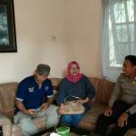 Anggota Bhabin Polsek Batu Polres Batu Kunjung Sialturohmi Ke Rumah Purnwirawan Polri Di Kelurahan Sisir