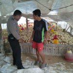 Dalam rangka tingkatkan pengetahuan terkait situasi kamtibmas , anggota Bhabinkabtimas sambangi warga binaan yang berprofesi sebagai peternak ayam