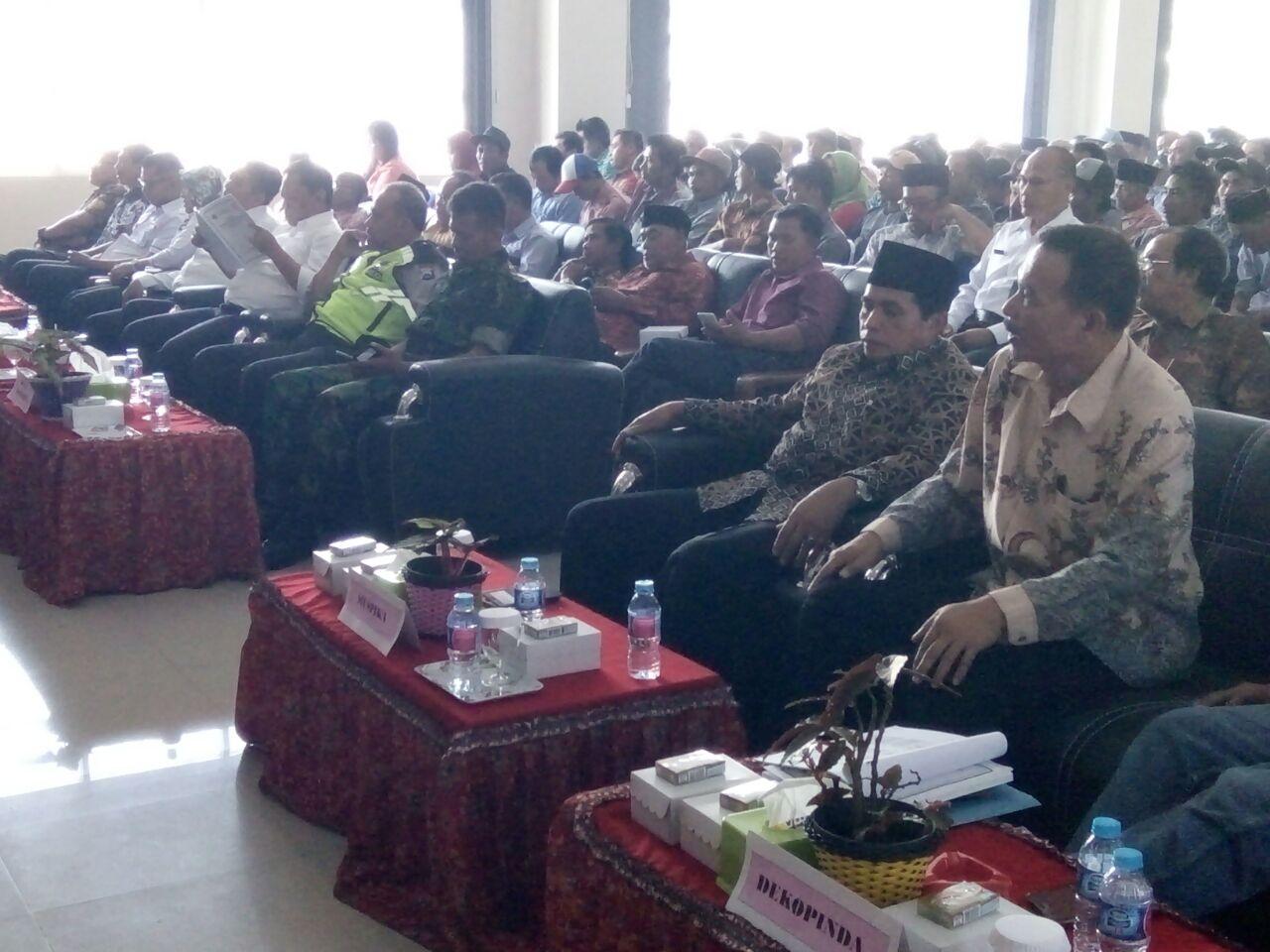 Kapolsek Ngantang Polres Batu Bersama Muspika Ngantang menghadiri Rapat RAT