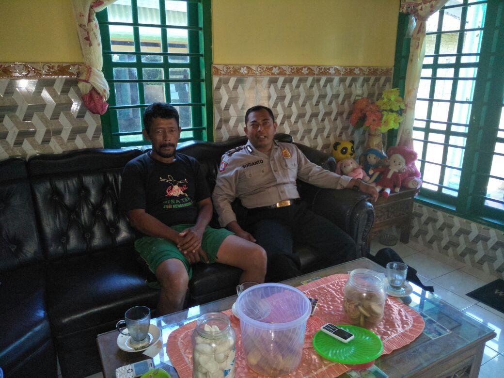 Anggota Polsek Kasembon Polres Batu Mengajak Warganya Untuk Bersama Menjaga Kamtibmas Agar Aman