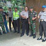 Kapolsek Kasembon Polres Batu Bersama Anggota Koramil Kasembon Sinergitas TNI – Polri Dalam menjaga Giat Masyarakat