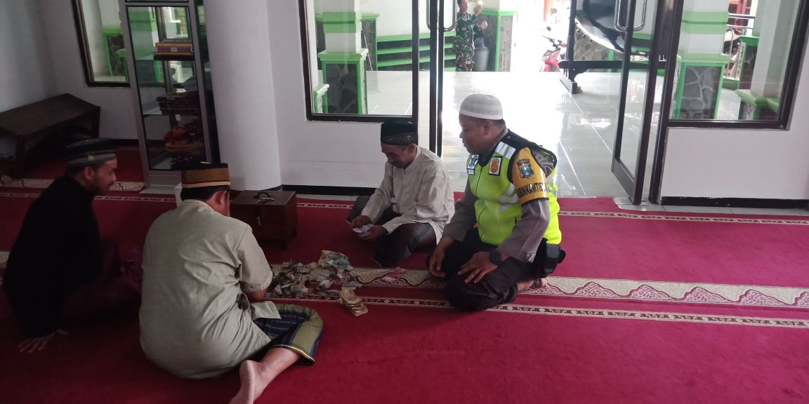 Bhabin Polsek Bumiaji Polres Batu Silaturohim Takmir Masjid
