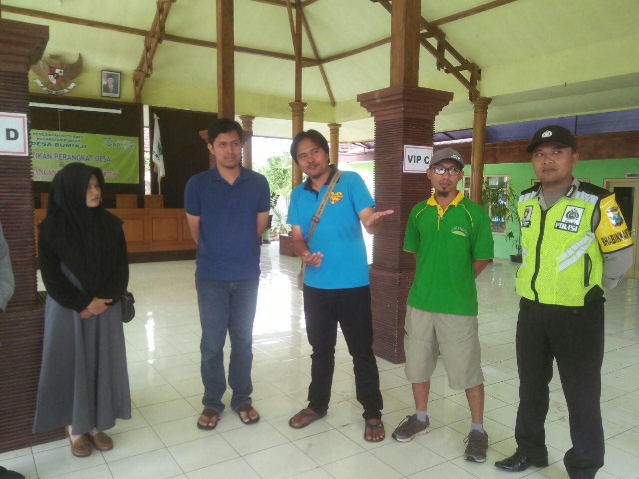Polres Batu, Anggota Bhabin Polsek Bumiaji Polres Batu Melaksanakan Giat Pembinaan Dan Berikan Himbauan Kamtibmas Kepada Mahasiswa Brawijaya