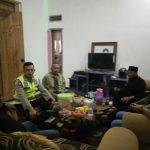 Anggota Bhabinkamtibmas Polsek Bumiaji Polres Batu Melaksanakan Giat Kunjung warga Serta sampaikan pesan Kamtibmas