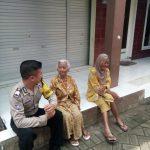 Anggota Bhabinkamtibmas Polsek Junrejo Polres Batu Melaksanakan Sambang Tempat Warga Lanjut Usia