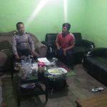 Anggota Bhabin Polsek Bumiaji Polres Batu Sampaikan Pesan Pesan Kamtibmas Kepada Masyarakat Pada Giat Kunjungan