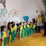 Bhabinkamtibmas Polsek Pujon Polres Batu Melaksanakan Kegiatan Polisi Sahabat Anak Di Paud/Play Grup Miftahul Uquliyah